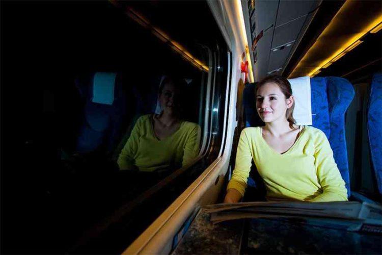 traveling kereta